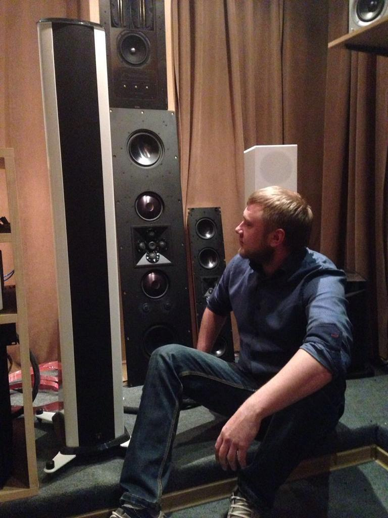 James Loudspeakers 808BE в шоу-руме SPB-HiFi